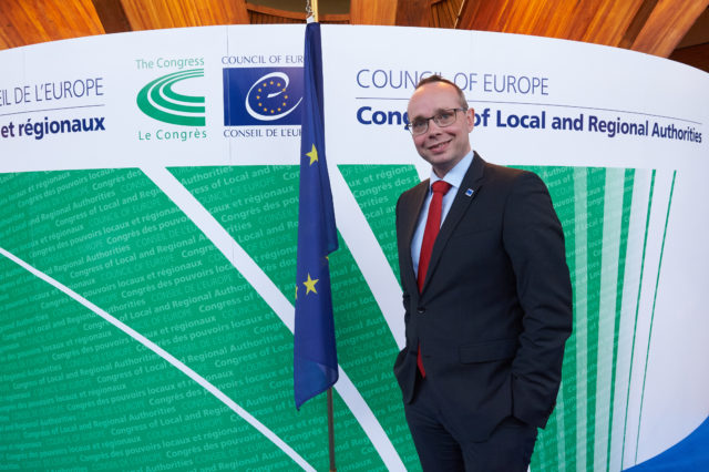 Sören Schumacher im Kongress der Gemeinden und Regionen des Europarates - Copyright: © Council of Europe